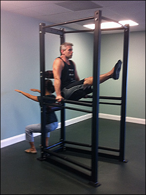 Equipping your new personal training studio high for Squat station