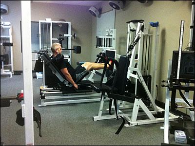 RenEx leg press machine
