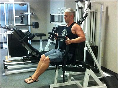 RenEx ventral torso (chest press) machine