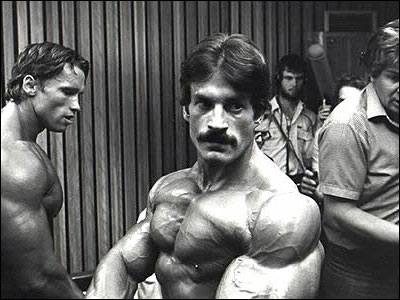 Mike Mentzer backstage at the 1980 Mr. Olympia competition